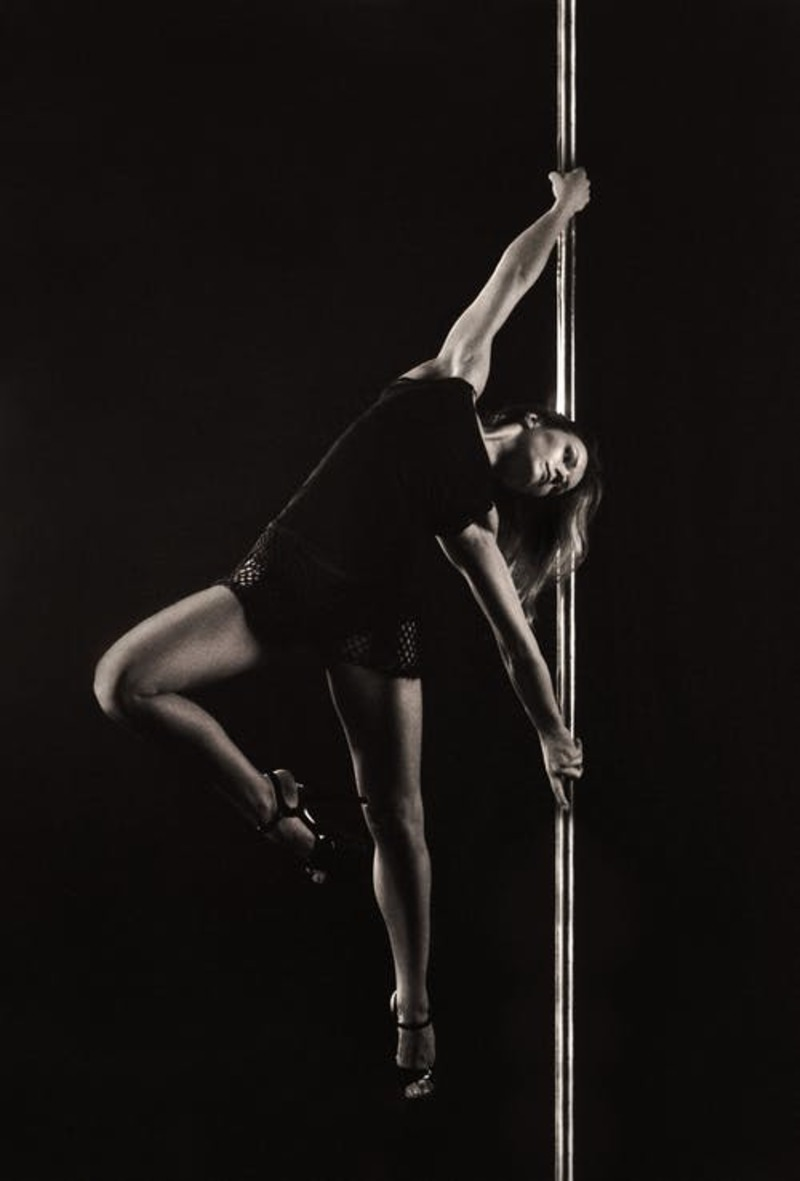 A Guide for Buying Essential Clothes for Pole Dancing in a frugal way