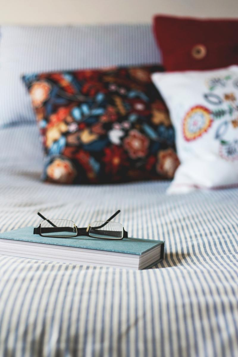 10 Tips for Buying Bedding on a Budget