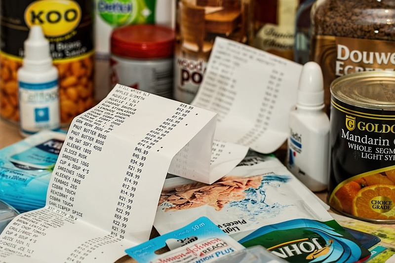 Groceries, shopping, budget, budgeting, save  - Five Benefits of Living on a Tight Budget