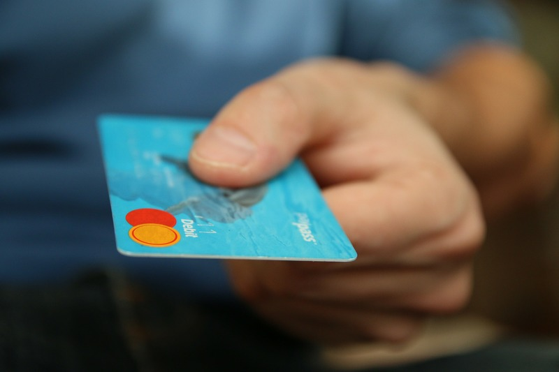 Money Credit Card  - How to Save Money While Online Shopping