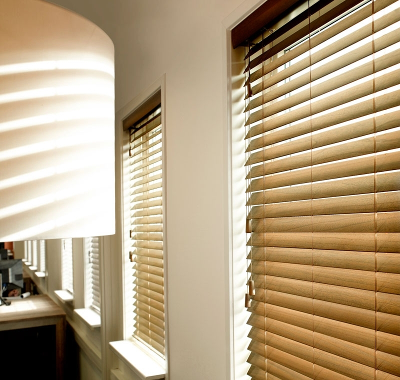 Faux Wood vs. Real Wood Blinds: Which Gives More Value For Your Money